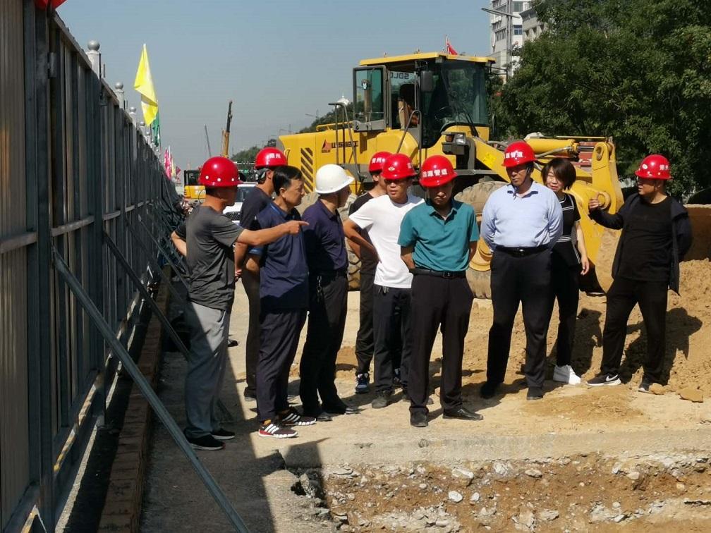 市住建局深入民福街改造施工现场开展检查工作